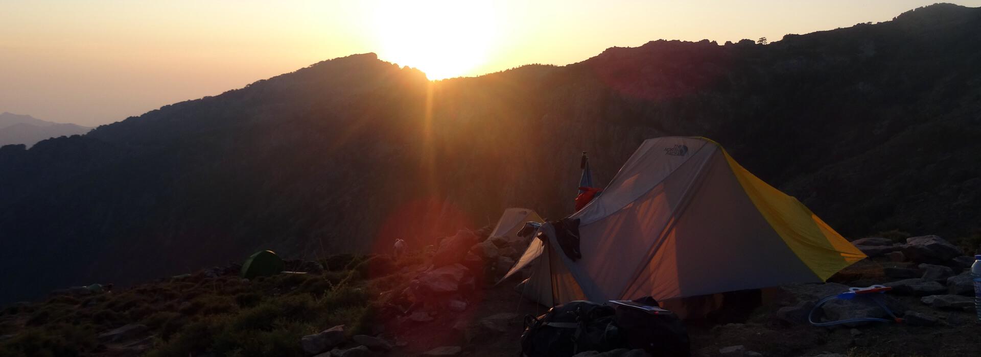 Dormir sur le GR 20 : refuges, bivouac et réservation