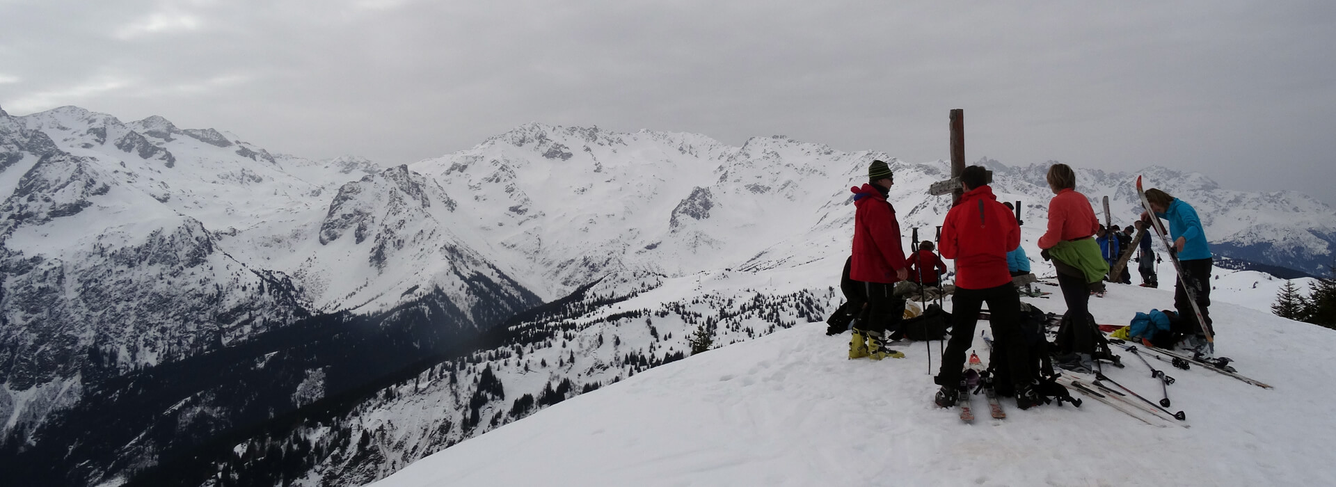 Le Grand Rocher en raquettes - Depuis le Foyer de ski de fond du Barioz - 1926 M