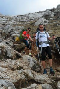 7 conseils pour éviter les douleurs aux genoux en randonnée