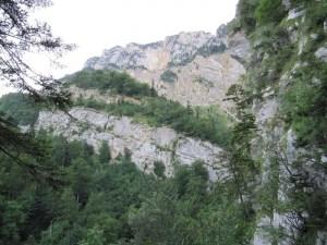 Les Rochers du Lorzier - Depuis Chalais, la cheminée du Lorzier, et la cheminée du Mt St Martin - 1838 M