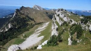 Les Rochers de Chalves - Depuis Pomarey, montée par Grandchamp, descente par les Bannettes - 1845 M