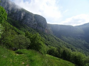 La Croix du Nivolet - Par les échelles et le Col de la Doriaz - 1547 M